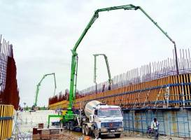 One-sided outrigger in concrete boom pump enters India