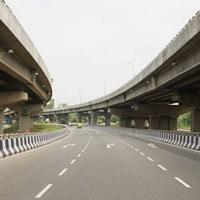 Yearly average construction of highways in last seven years at 9,000 km