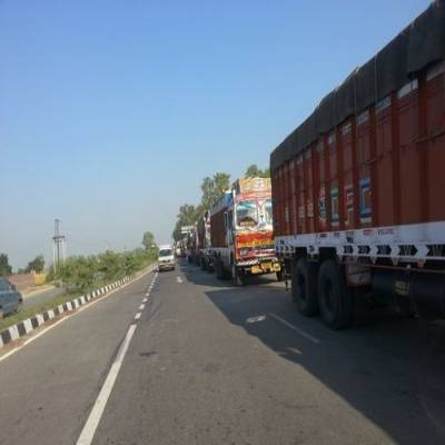 Domestic road transportation: Outlook revised to negative